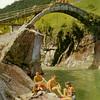 <p>Valle Verzasca, Ponte di Lavertezzo</p>