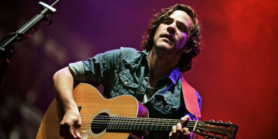 Jack Savoretti '01 releases new album and tour