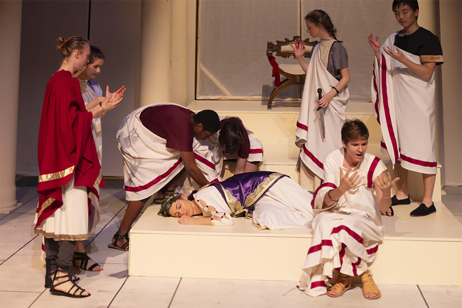 The final dress rehearsal before the premiere of antigone/CAESAR